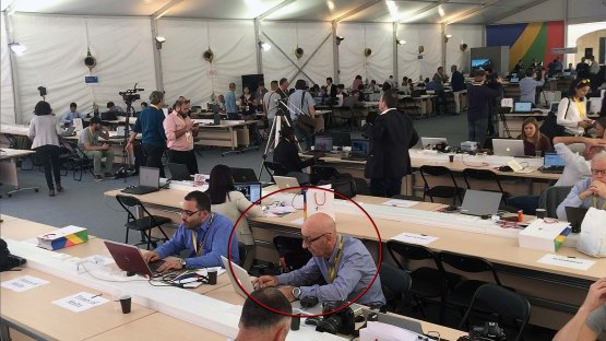 LINO ARRIGO AZZOPARDI, HARD AT WORK DOING THE NEWS PRESS PHOTOGRAPHY TURNAROUND'S POST-EDITING OF CAPTURED SHOTS, ALONGSIDE KURT SANSONE DURING THE CHOGM 2015 SUMMIT MEETING, AT THE FORT ST. ELMO PRESS CENTRE. THIS WAS TO BE LINO'S LAST MAJOR GIG.